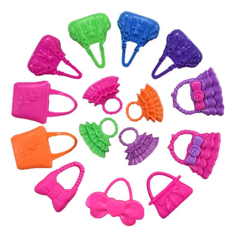 32 รายการ/ชุดตุ๊กตาอุปกรณ์เสริม = 10 Pcs ตุ๊กตาเสื้อผ้าชุด + 4 + 6 สร้อยคอพลาสติก + 2 + 10 คู่รองเท้าสำหรับตุ๊กตาบาร์บี้