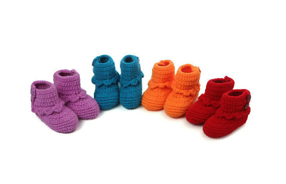 Handmade lovely crochet baby shoes baby girl crochet booties winter baby boots 3 colors option