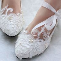 High Quality Women Wedding Shoes With Ribbons Red White Bridal Lace Pearl Pumps Braidsmaid Shoes Low