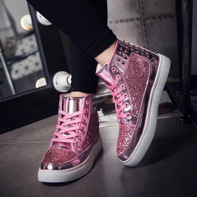 2017 весна дизайн Дамской одежды Квартиры розовый Серебряный Заклепки Блестки Блестящие Кожаные Ботинки Повседневная Обувь ботильоны для женщин