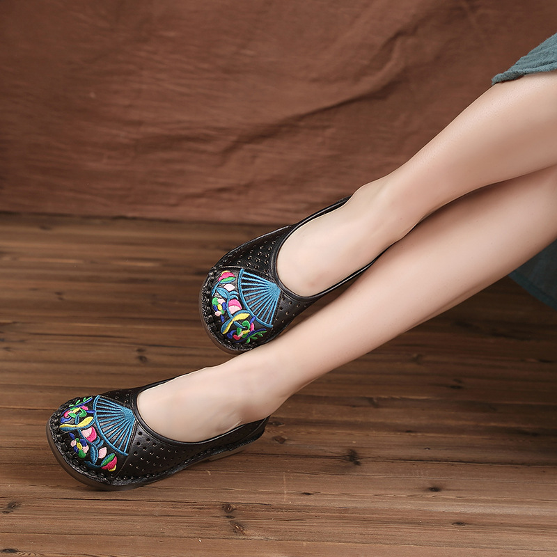 Designer Women Black Flats Emboridery Retro Slip On Flats For Women Soft Bottom Loafers Handmade Women Leather Flats 2017 Autumn punk style alloy chains necklace for women