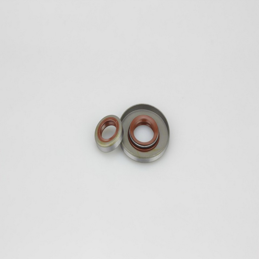Free Shipping 1 Set Oil Seals(1pc Big &1pc Small Size) With Perfect Matching Chainsaw 381/380 Chainsaw Aftermarket Replacement