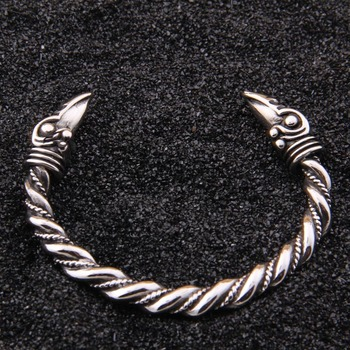 3d394074ecfd De acero inoxidable raven pulsera India accesorios de moda de la joyería  Viking pulsera hombres pulsera pulseras de brazalete para las mujeres  brazaletes