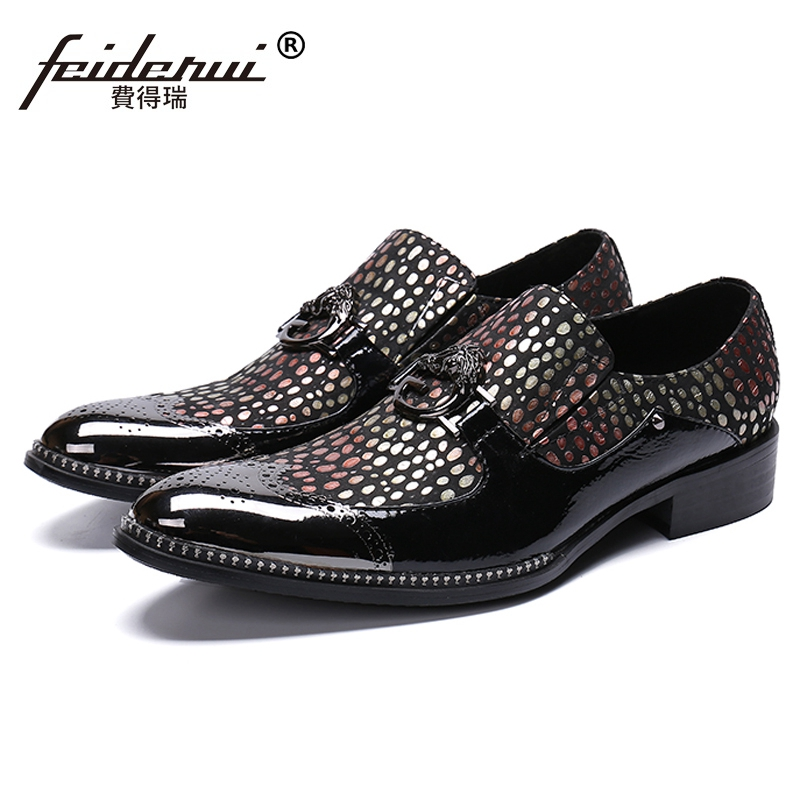 New Fashion Man Carved Brogue Loafers Patent Leather Round Toe Slip on Handmade Flats Mens Party Banquet Casual Shoes SL464New Fashion Man Carved Brogue Loafers Patent Leather Round Toe Slip on Handmade Flats Mens Party Banquet Casual Shoes SL464