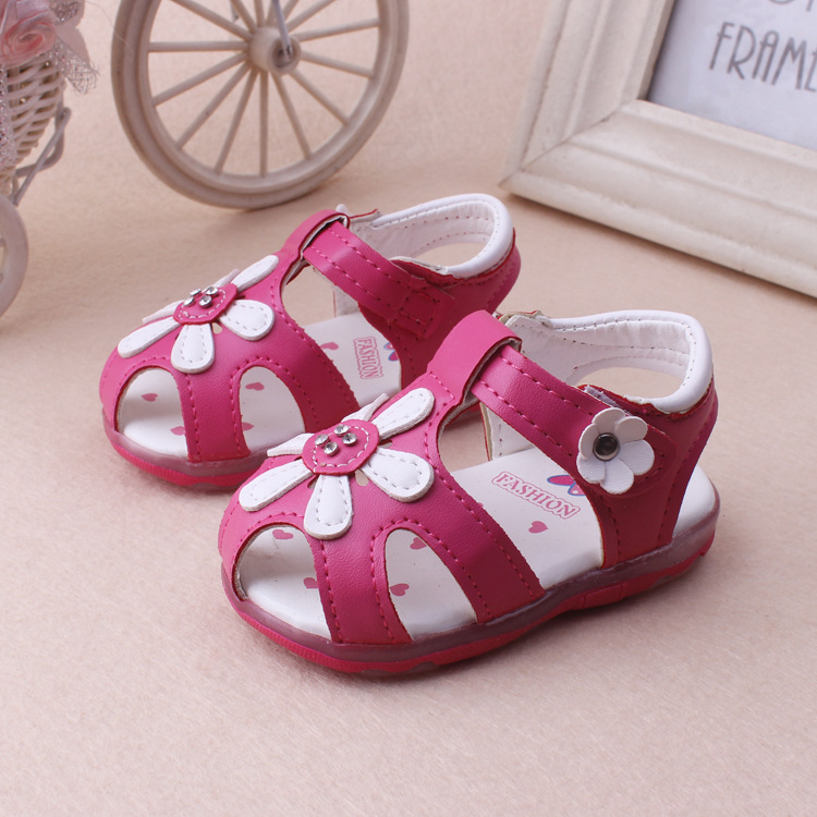 pas mal 4f08f e3801 2019 chaussures lumineuses LED 0-3 ans bébé filles sandales belle fleur  rougeoyante enfants chaussures fond doux nouveau-né bambin chaussures
