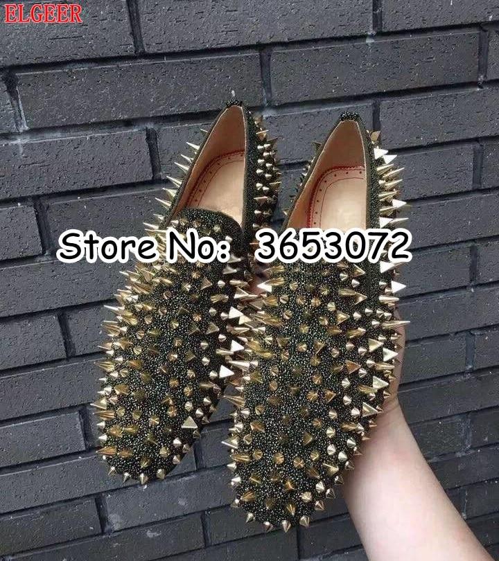 Nowa gorąca sprzedaż mężczyźni Shinny Glitter płaskie buty Gold Spike mężczyźni próżniacy Slip On nity Prom sukienka na wesele buty srebrny złoty niebieski w Męskie nieformalne buty od Buty na  Grupa 2