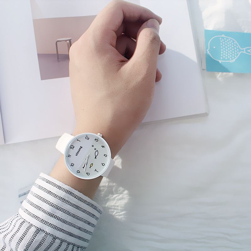 8SEASONS Silicone Multicolor Cute Swim Fish Quartz Wrist Watches Sea Round Plate Watch Trendy Simple Women Jewelry, 1 Piece Karachi