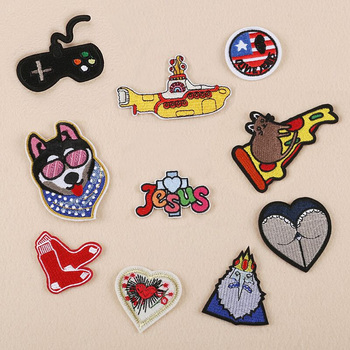 Gamepad Mouse Pizza King Wolf Dog Parches Embroidery Iron on Patches for Clothing DIY Stripes Clothes Fabric Stickers Appliques embroidery