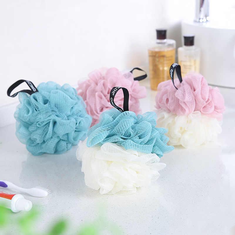 Éponge de lavage de douche de maille de nettoyage de corps d'épurateur de serviette de bain de boule de bain de grande fleur 70G pour le corps pour des accessoires de salle de bains