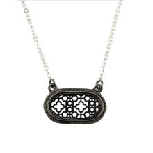 2018 Hot Fashion Two Tone Cutouts Quatrefoil Motif Oval Choker Necklaces & Pendant for Women Famous Brand Jewelry(China)