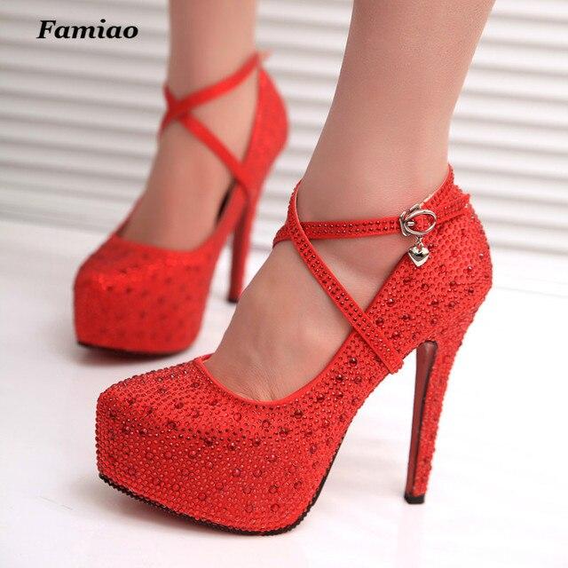 FAMIO 2017 Красный Кристалл Серебряные Нижние Высокие Каблуки Блестящие Стразы Люкс Свадебные Обувь Женская Плюс Размер Насосы Быструю Перевозку Груза