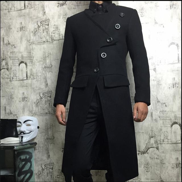 7acccbe9a3c Hombres del invierno del espesamiento del collar del soporte medio-largo  personalidad abrigo de lana