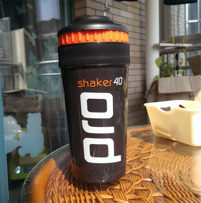 Shaker Pro 40 Whey Protein Sports nutrition blender mixer bottle fitness gym Shaker For Protein Powder my water bottle 700 ml image