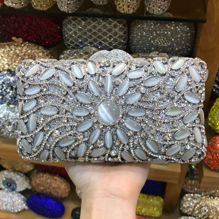 Clear Crystal Diamond Rhinestones Evening Clutch Bag For Women Metal Gold Wedding Clutches Handbags Chain Shoulder Bag silver gold silver clear crystal diamond women evening bag metal clutches bag wedding party bridal clutch purse chain shoulder handbags