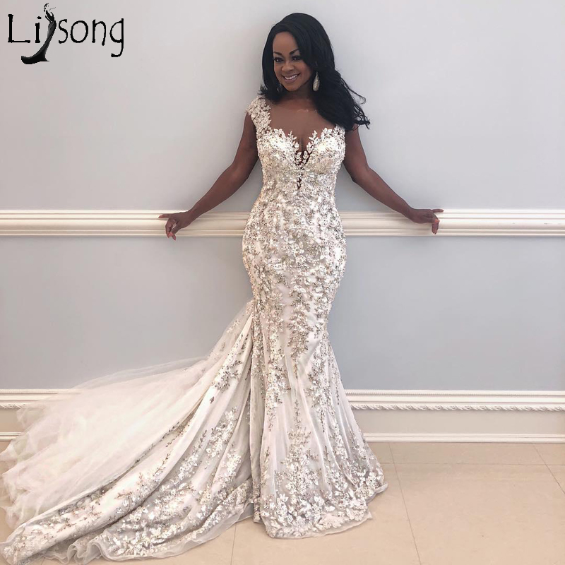 2019 New Arrival Mermaid Wedding Dress Sheer Jewel Neck Lace Applique Backless Court Train Wedding Dresses