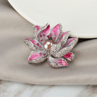 Luxury Crystal Gold Flower Brooches Women Natural Pearl Brooch Pins Jewelry for Wedding Party Scarf Stone Pins Accessories