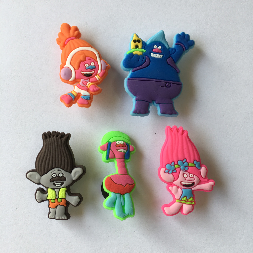 New 5pcs Trolls PVC Kid's Gift Shoe Charms/shoe accessories/shoe decorate for shoe/ Wristbands kids party gift 9pcs lot the secret life of pets pvc shoe charms shoe accessories shoe decoration for shoes wristbands kids xmas gift