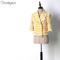 The new spring and summer 2018 white luxury shoulder sleeve sleeve suit fringed jacket