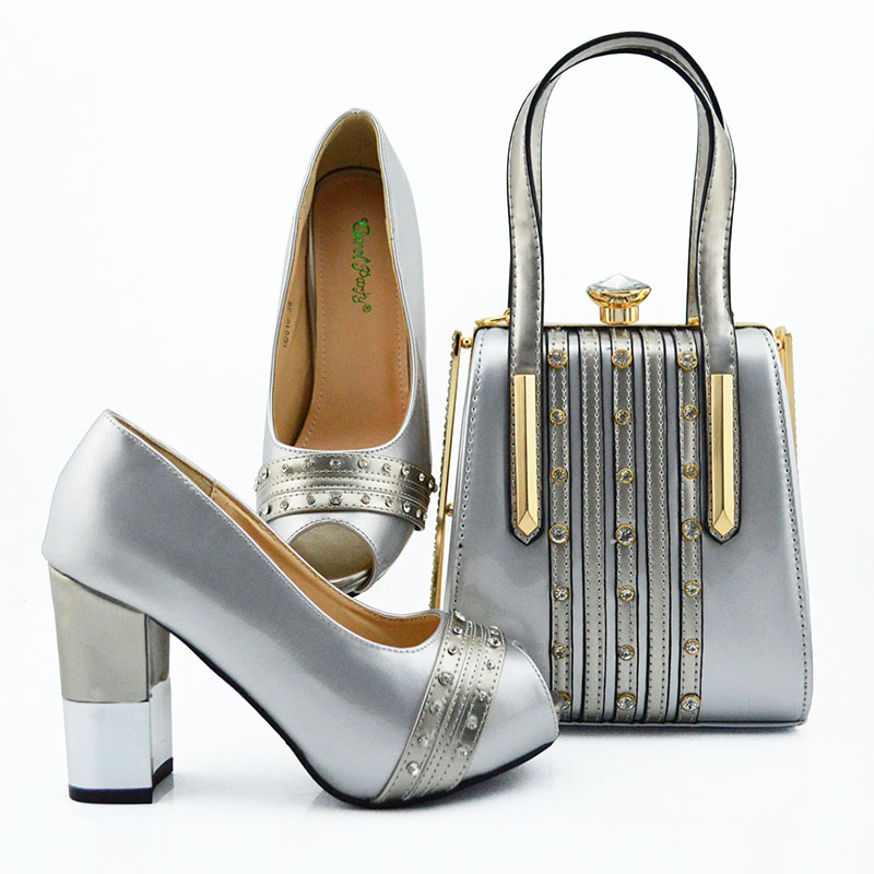 2019 Fashion Design African Ladies Shoes and Bags To Match Set with Rhinestone Nigerian Wedding Party in Silver color2019 Fashion Design African Ladies Shoes and Bags To Match Set with Rhinestone Nigerian Wedding Party in Silver color