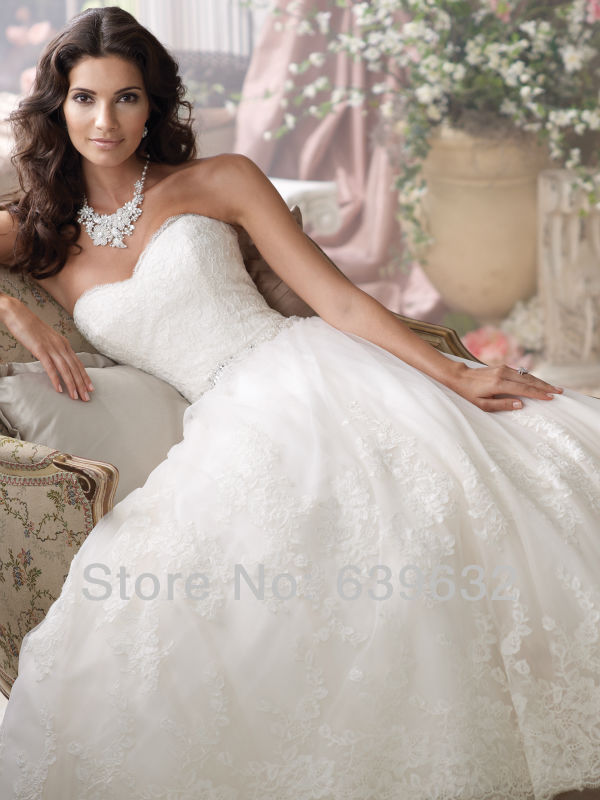 Sweetheart neckline strapless embroidered lace bodic tulle ball gown  crystal waistline chapel train davids bridal wedding dress-in Wedding  Dresses from ... 6219d59a4c40