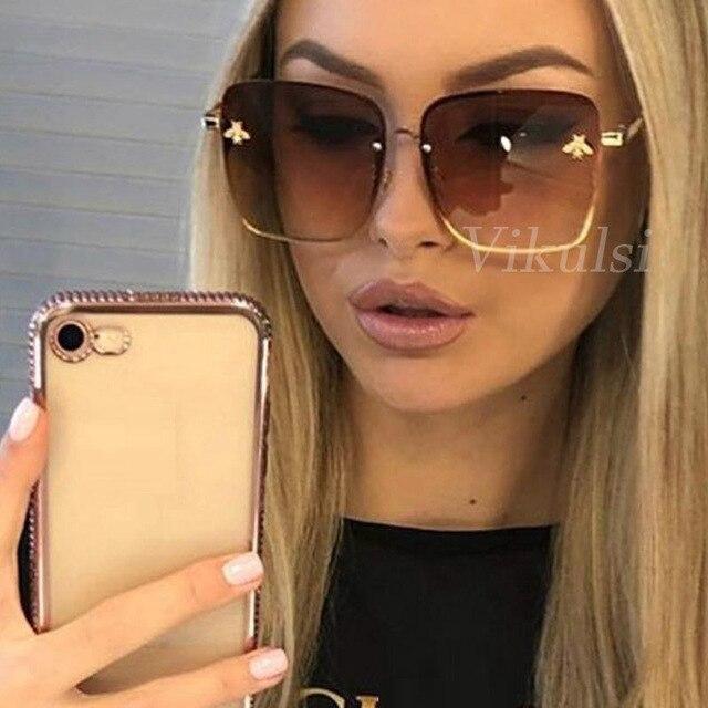 3e8d781db5609 Retro Quadrados Óculos De Sol Mulheres Marca de Designer de Metal Abelha  Quadro Oversized Óculos de