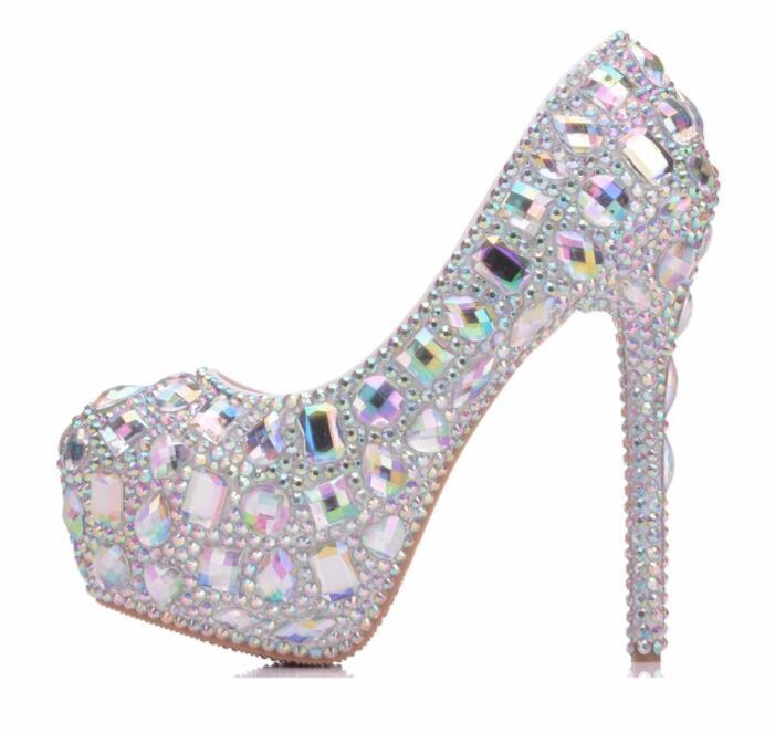 2019 nouveau arriver chaussures de mariage pour femme dentelle à la main chaussures de mariée bout rond bas med chaussures à talons hauts mariées-in Sandales femme from Chaussures    1