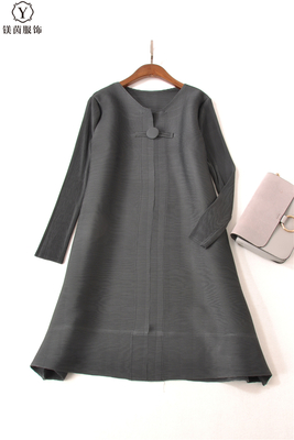FREE SHIPPING Fashion Miyake fold dress pure color long sleeve style clasp dress IN STOCK - 4