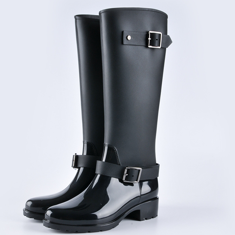 New fashion rain boots female waterproof rain boots non-slip long water shoes Korean models in the tube adult water boots women. tube in rubber rain boot women rain boots new flat sen in spring and summer women s water shoes boots fashion waterproof