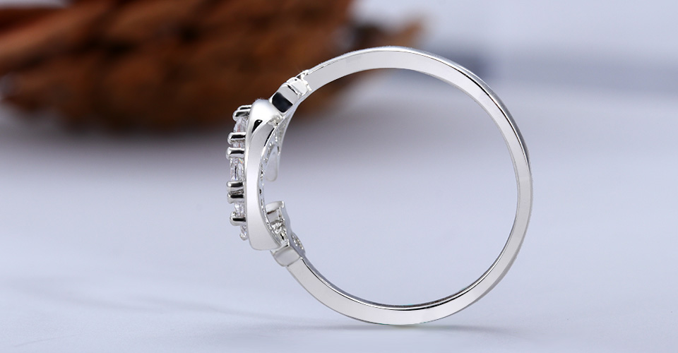 geekoplanet.com - 925 Silver Crescent Moon & Stars Dazzling Ring