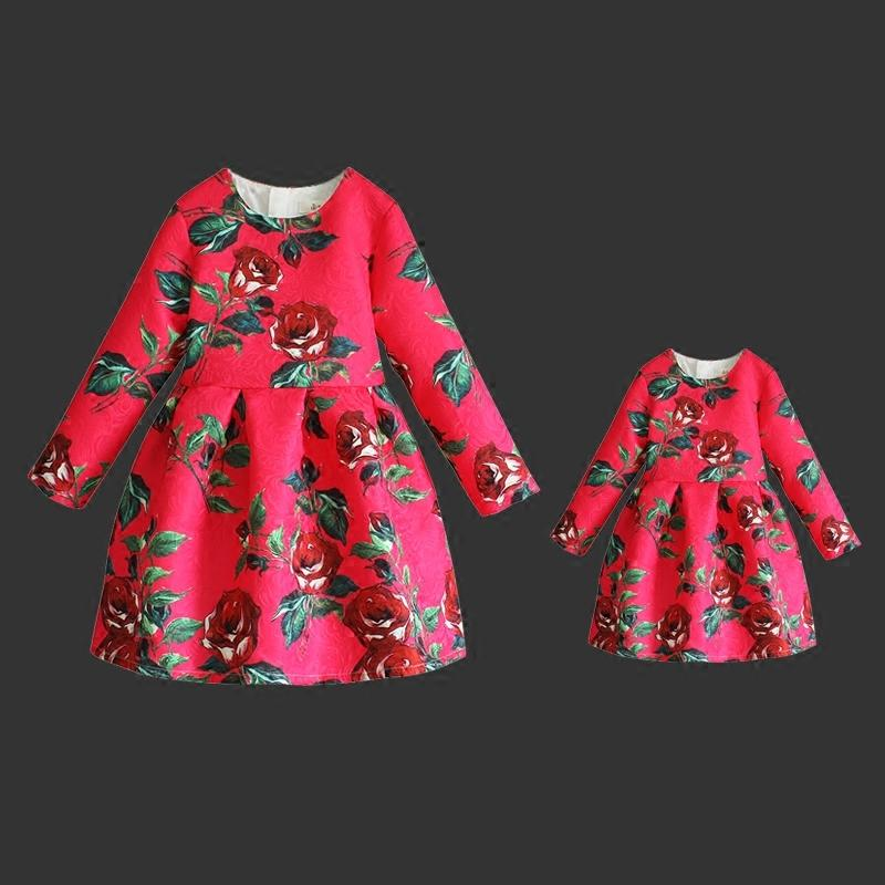 Spring rose floral prints kids dress mom daughter baby long pleated dresses family look matching clothes mother and girls skirts family clothing spring matching clothes mother daughter long sleeve dresses and vest two piece set matching mom daughter dress