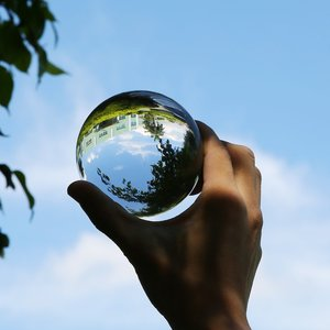 Image 5 - 50mm/80mm Crystal Ball Quartz Glass Transparent Ball Spheres Glass Ball Photography Balls Crystal Craft Decor Feng Shui