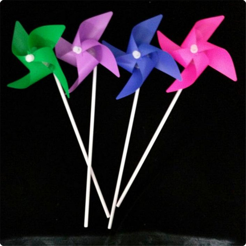 2017 Fashion 20pcs/lot LED windmill with 4 leaves Childrens toys Flashing Light up winnower Kid birthday gift