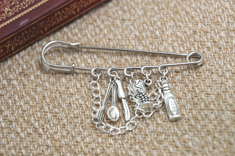 12pcs Hannibal inspired fine dining charm with chain kilt pin brooch (50mm)