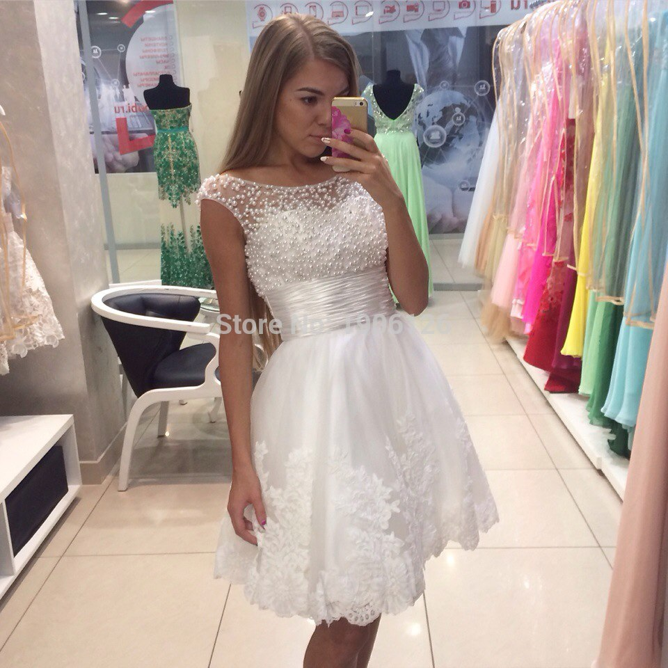 Custom Fit White Short Prom Dresses 2016 Pearls Evening Gowns Cap Sleeve Scoop Women Vestido de festa curto Gala jurken(China (Mainland))