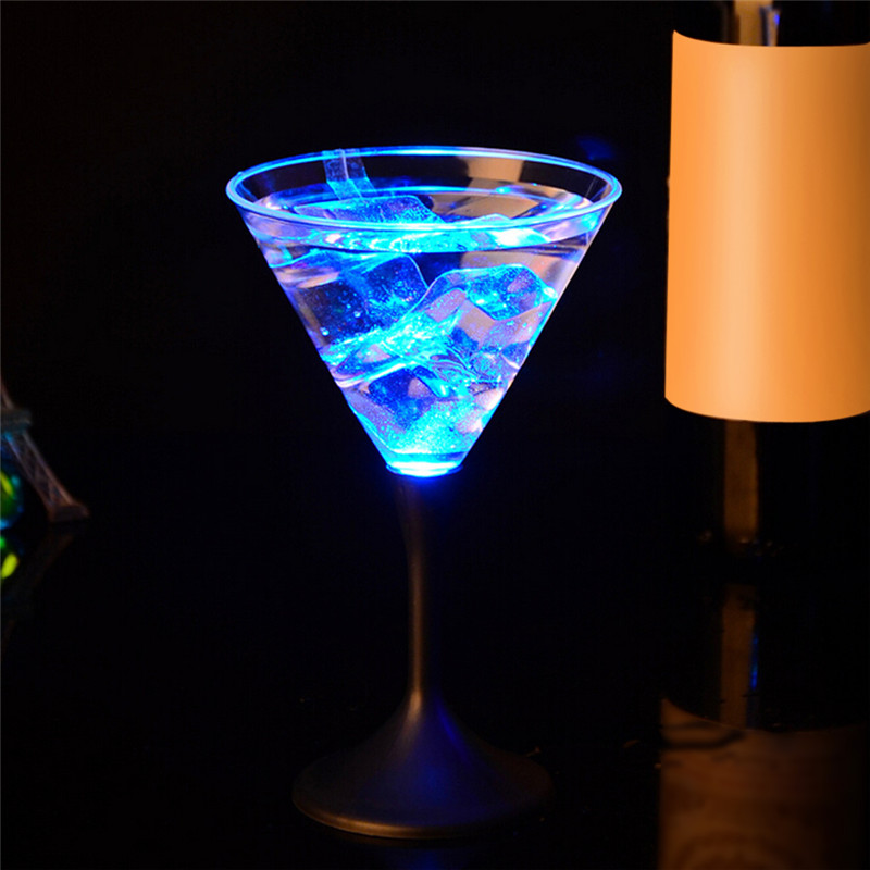Common Truth 250ml LED Auto Color Changing Wine Cup Bar Party Water Activated Flashing Rocks Cocktail Cups Funny Drinkware Bar Tool