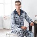 Pijama de otoño e invierno de los hombres de algodón de manga larga traje de ocio de la tela escocesa floja ropa de hogar
