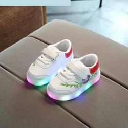 Детская светящаяся обувь весна осень мягкая подошва удобная светодио дный обувь для мальчиков и девочек повседневная обувь модная детская