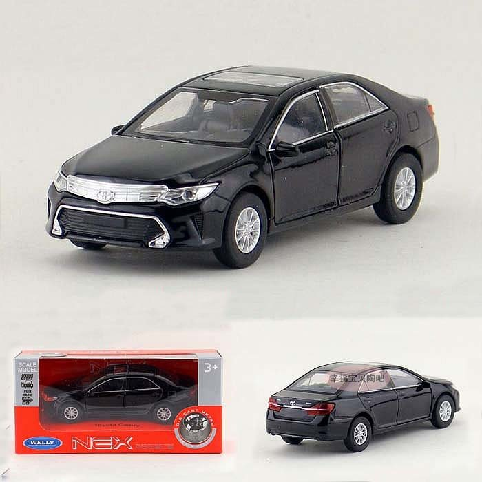 High Simulation 1:36 Alloy Toyota Camry Model With Open Door Pull Back Car Toys Metal Toy Vehicles Kids Toy Free Shipping