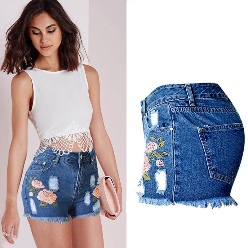 Mode 2018 Rose Broderie Denim Shorts Pour Femmes Fleur Taille Haute Jeans  Court Femme D été Gland Femelle Shorts Bleu Clair dans Jeans de Mode Femme  et ... 87cf9e2eb8e