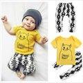 2 шт. набор!! новорожденных Малышей Младенческой Дети Мальчик Летней Одежды Желтый Футболка С Коротким SleeveTops + Белые Брюки Наряды Set2-5Y