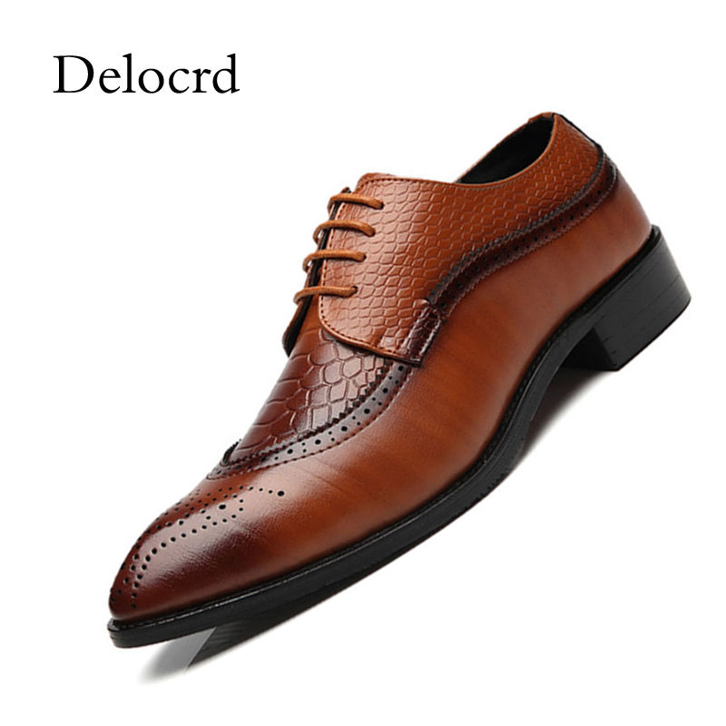 Men Wedding Shoes Business Bullock Carved Dress Shoes Lace Up Red Black Luxury Patent Leather Flats Oxford Shoes For Men Delocrd цена 2017