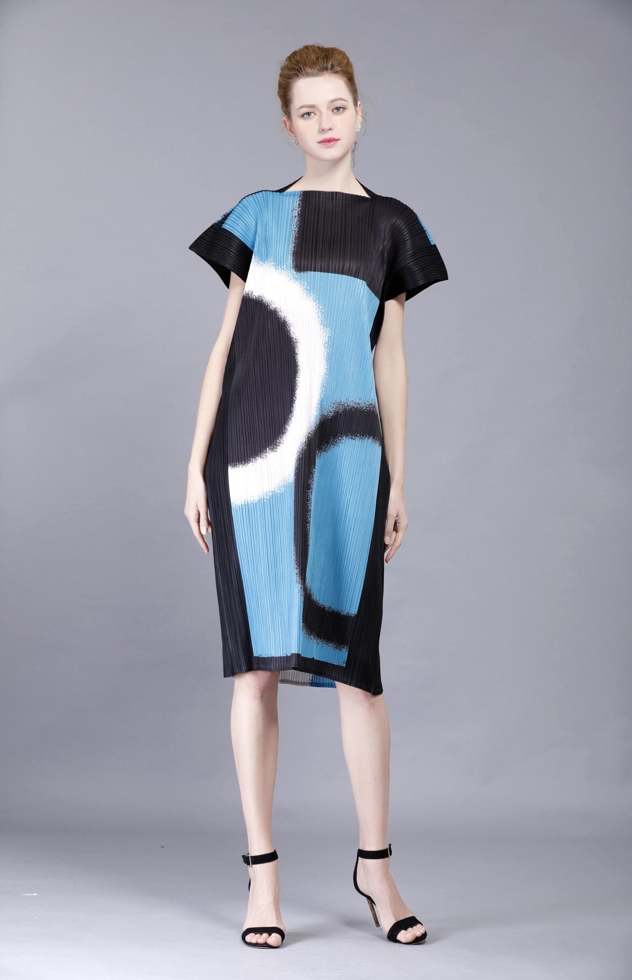 Livraison gratuite mode pli robe rectangle couleur bloc robe plissée lâche une pièce robe en STOCK