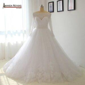 Image 1 - オフショルダースリーブ真珠ベルトウェディングドレス白い色顧客注文2018
