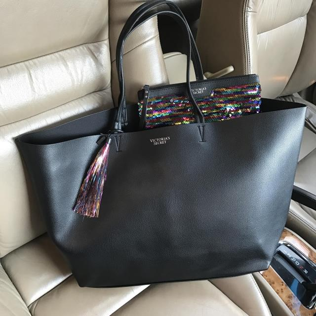New Fashionable black mother bag package Cosmetic bag makeup bag for necessary makeup tools kits very good quality very popular the good mother