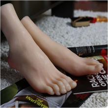 цена на New Style Silicone Realistic Foot Mannequin Lifelike Foot Mannequin Foot Maniqui On Sale