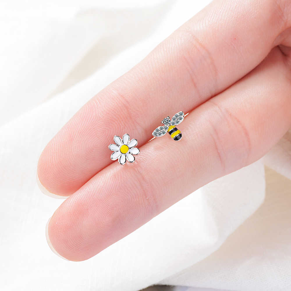 Todorova Lovely Asymmetric Bee Sun Flower Zircon Crystal Earrings for Women Girl Korean Style Earrings boucle d'oreille