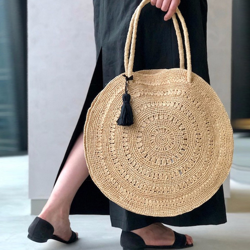 New Chic Handmade Tassel Beach Bag Fashion Casual Tote Handmade Straw Bag Female Messenger Bag Ladies