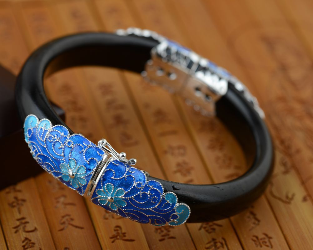 Sandalwood BRACELETS WHOLESALE S925 silver inlaid antique jewelry craft Shaolan female opening ancient Silver Carved deer king jewelry beeswax bracelet s925 sterling silver antique shaolan craft exquisite female new early adopters