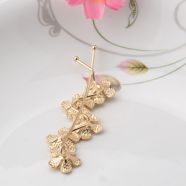 Wave Shaped Floral Bobby Pin