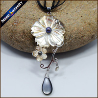 Collares Rocznika Ręcznie rzeźbione Biały Kwiat Naturalne Perły Sea Shell Wody Sztuki Rzeźba Gems Koraliki Naszyjnik dla Kobiet BS093